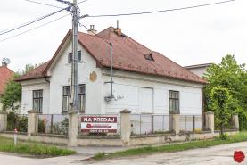 Rodinný dom s garážou (709 m2), centrum Sp. Nová Ves