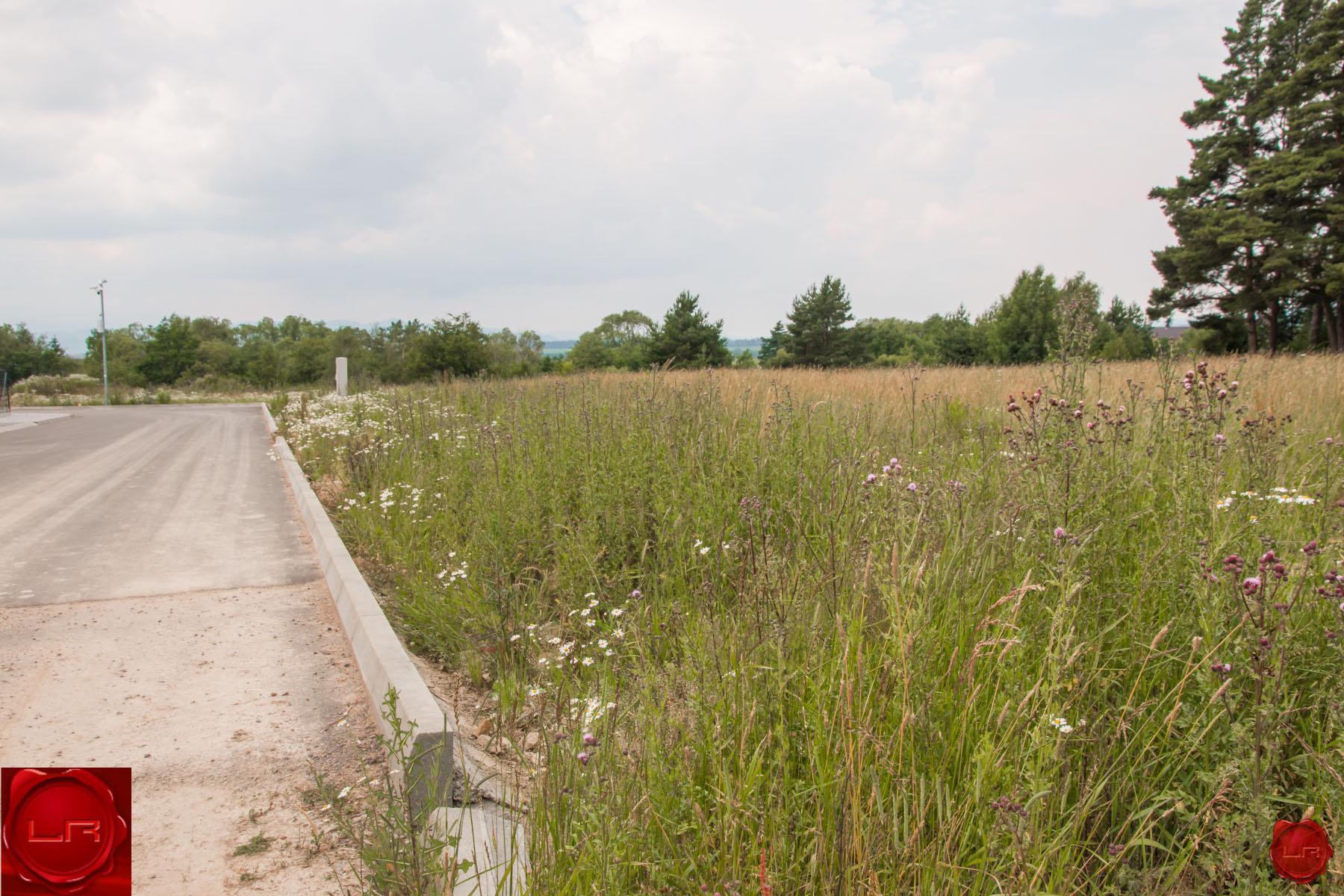 Exkluzívny stavebný pozemok pod lesom (1441 m2), Veľká Lomnica