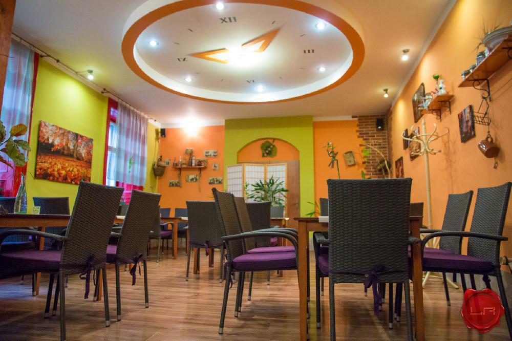 ZNÍŽENÁ CENA! Zabehnutá reštaurácia, pizzéria, centrum Sp. Nová Ves