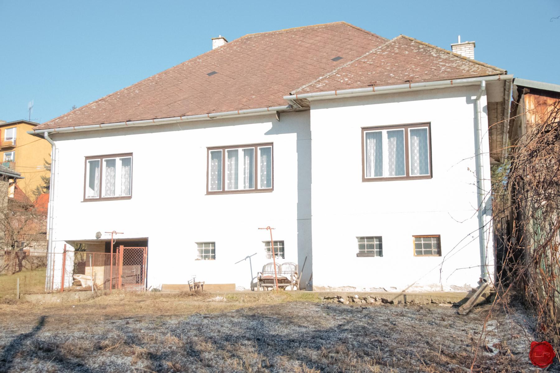 rezervovaný RD, slnečný pozemok (1004 m2), centrum Sp. Nová Ves