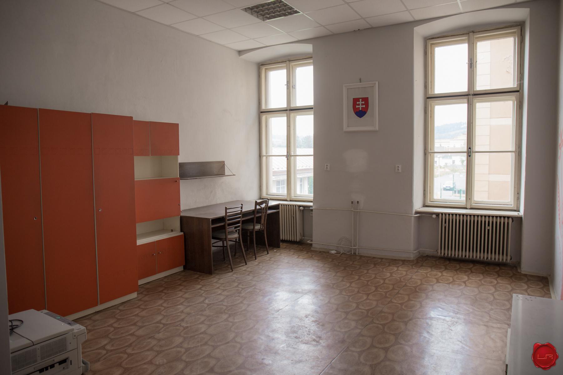 Administratívne priestory (30 m2) centrum Sp.Nová Ves