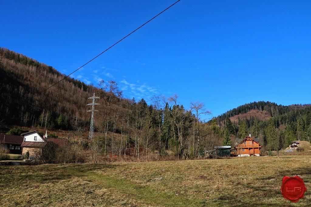 Stavebný pozemok (964 m2) v Novoveskej Hute