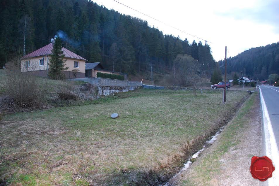 Pozemok v obci Hnilčík okr. SNV ( 1044m2)