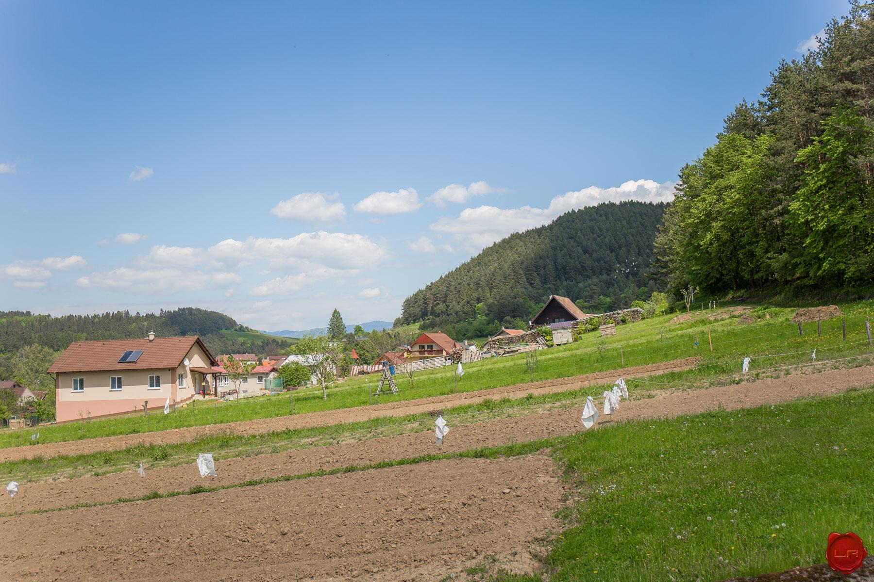 Dve parcely 1000 m2 matejovce nad horn dom for Gartengestaltung 1000 m2